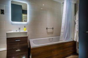 103 Deluxe Double Bathroom