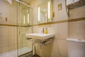106 Classic Double Bathroom
