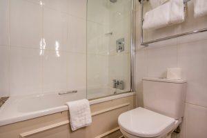 112 Deluxe Double Bathroom 2