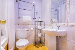 212 Classic Single Bathroom 2