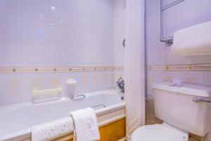 212 Classic Single Bathroom
