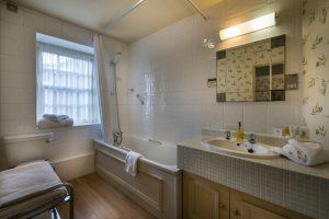 Bedroom 101 En suite