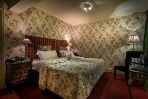 Bedroom 101 night
