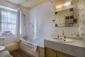 Castle Bedroom 101 Club Twin Bathroom