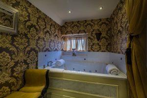 Castle Bedroom Deluxe Suite Bathroom 1