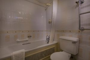 Castle Bedroom Superior Double 201 Bathroom
