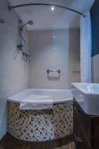 Castle_206_Bathroom_2