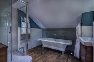 Castle_301_Bathroom